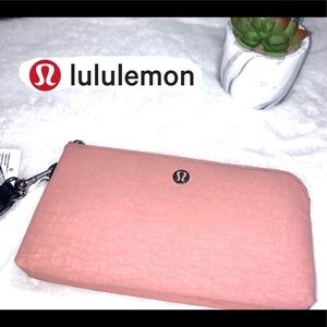Lululemon Now and Then always pouch.Wristl…